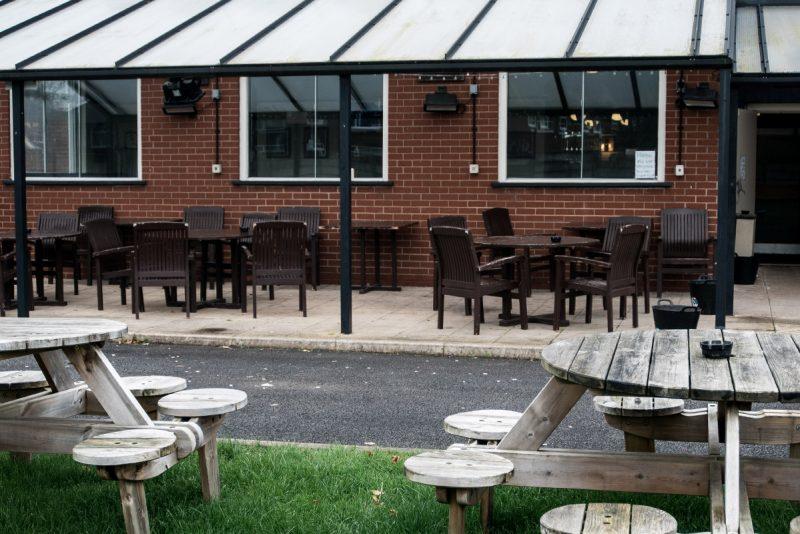 wilton arms pub in radcliffe beer garden