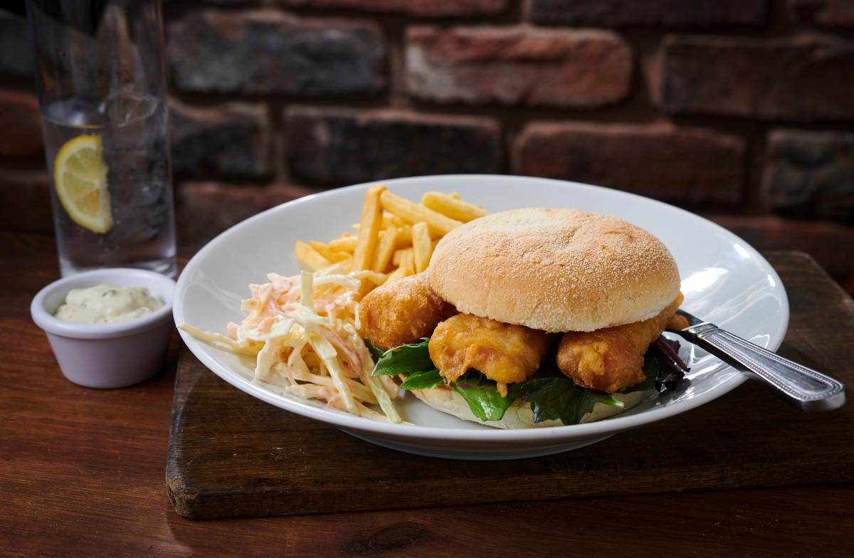 fish finger sandwich pub food