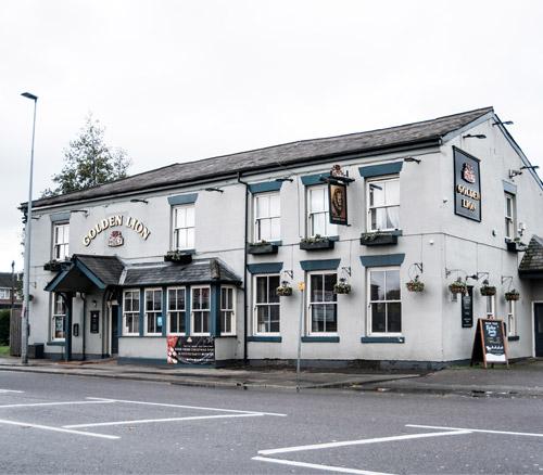 golden lion swinton food pub