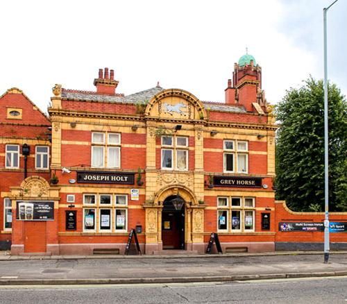 grey horse historic pub in reddish stockport