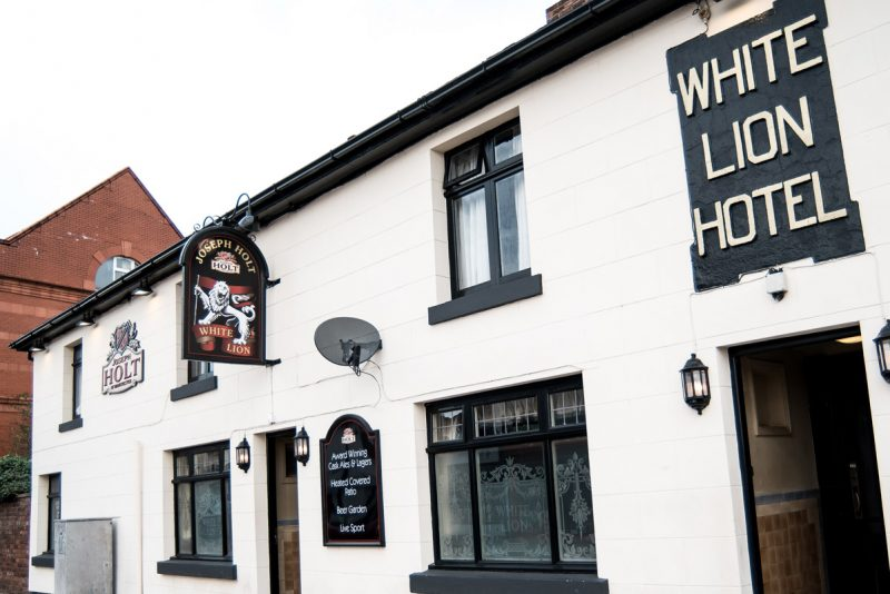 white lion pub in westhoughton