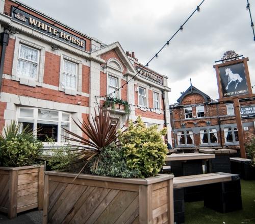 white horse pub index