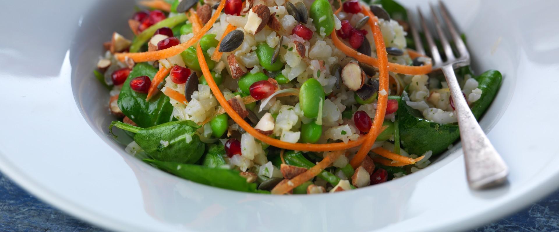 Superfood salad vegan