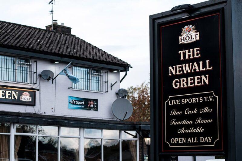 newall green pub outside wythenshawe