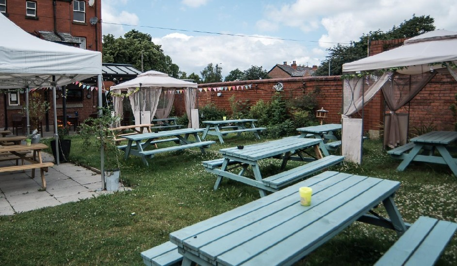 chapel house denton beer garden featured pub