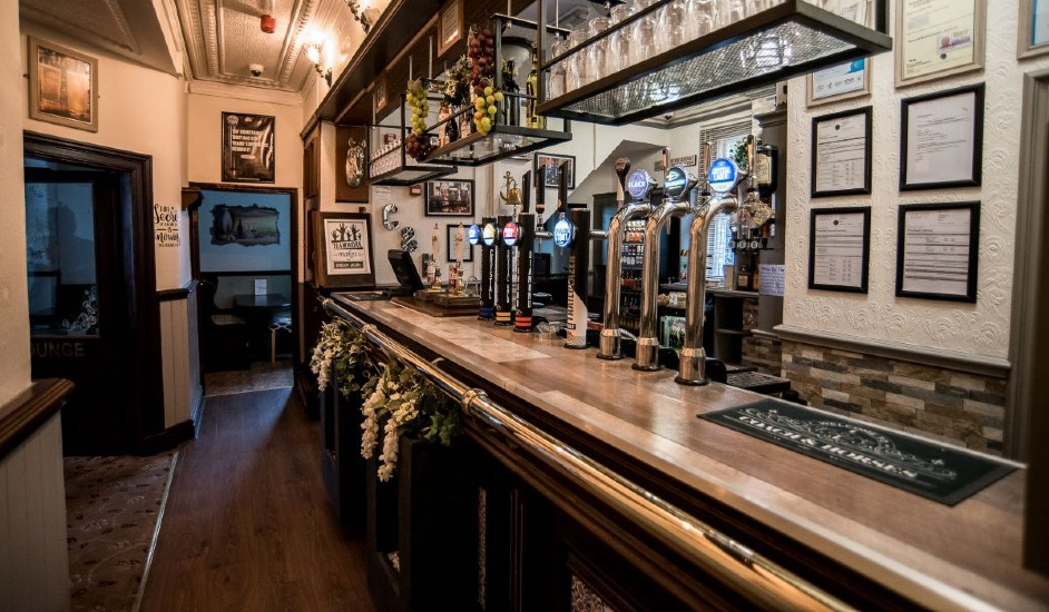 coach and horses bar featured pub